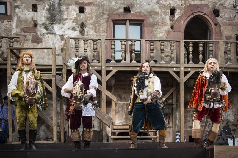 Volker Muthmann (Aramis), Thomas Ziesch (Athos), Steffen Gangloff (Porthos), Dominik Lindhorst (D'Artagnan). : Foto- Florian Merdes.