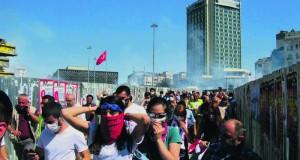 Tränengas auf dem Taksim-Platz