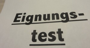 Umfrage: Mit Test zum Studienplatz?