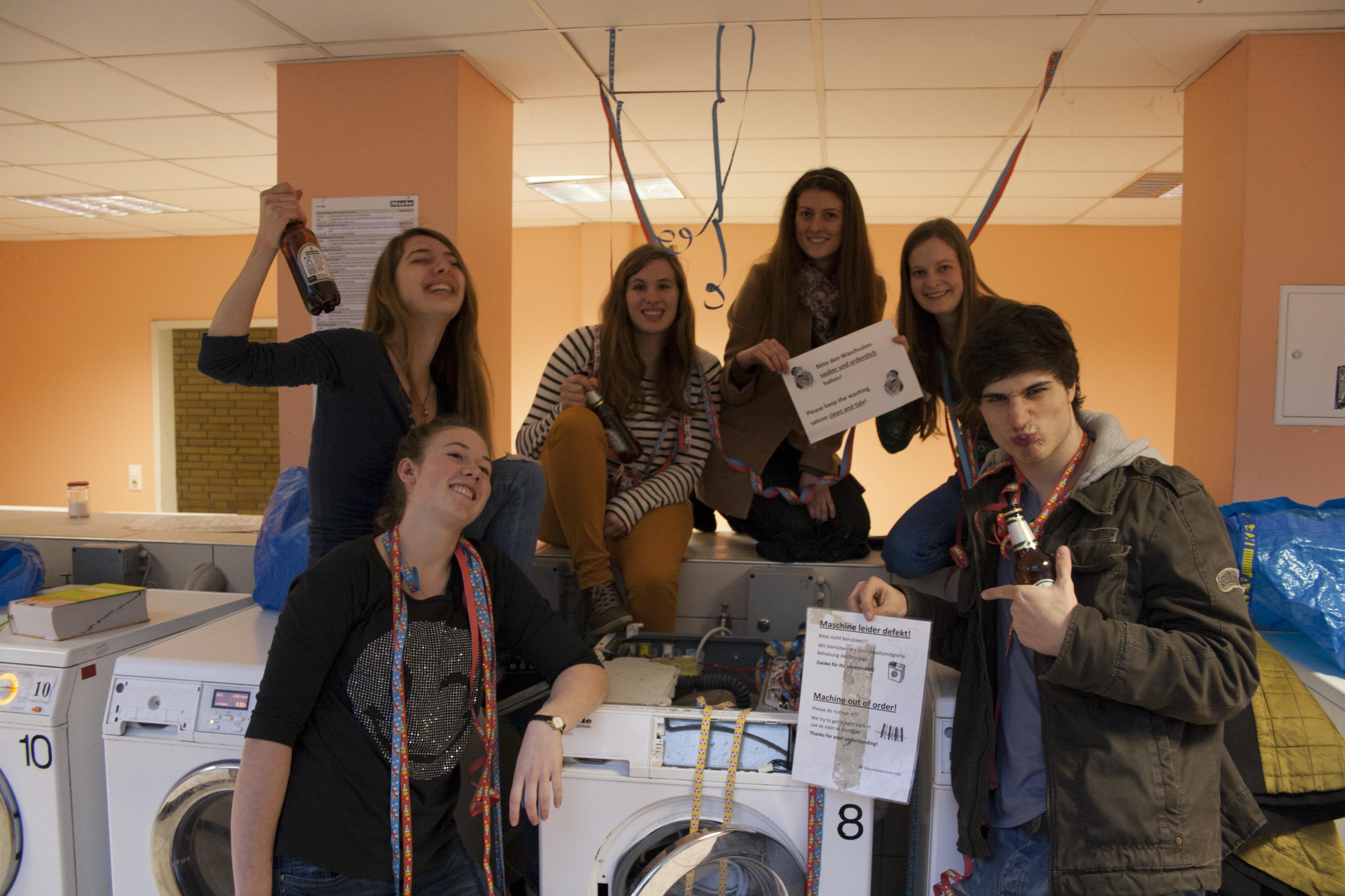 Im Waschsalon trifft man stets Studenten für eine spontane Party. Foto: Frederic Weichel