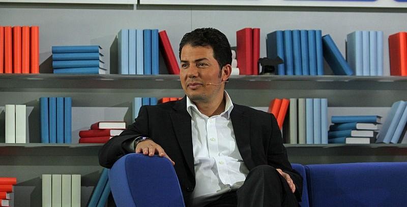 Hamed Abdel-Samad (hier auf der Frankfurter Buchmesse 2011) zieht Parallelen zwischen Faschismus und Islamismus. Foto: JCS / Wikimedia Commons (https://commons.wikimedia.org/wiki/File:Frankfurter_Buchmesse_2011_-_Hamed_Abdel-Samad_1.JPG?uselang=de), Lizenz: CC-BY-SA-3.0 (http://creativecommons.org/licenses/by-sa/3.0/)