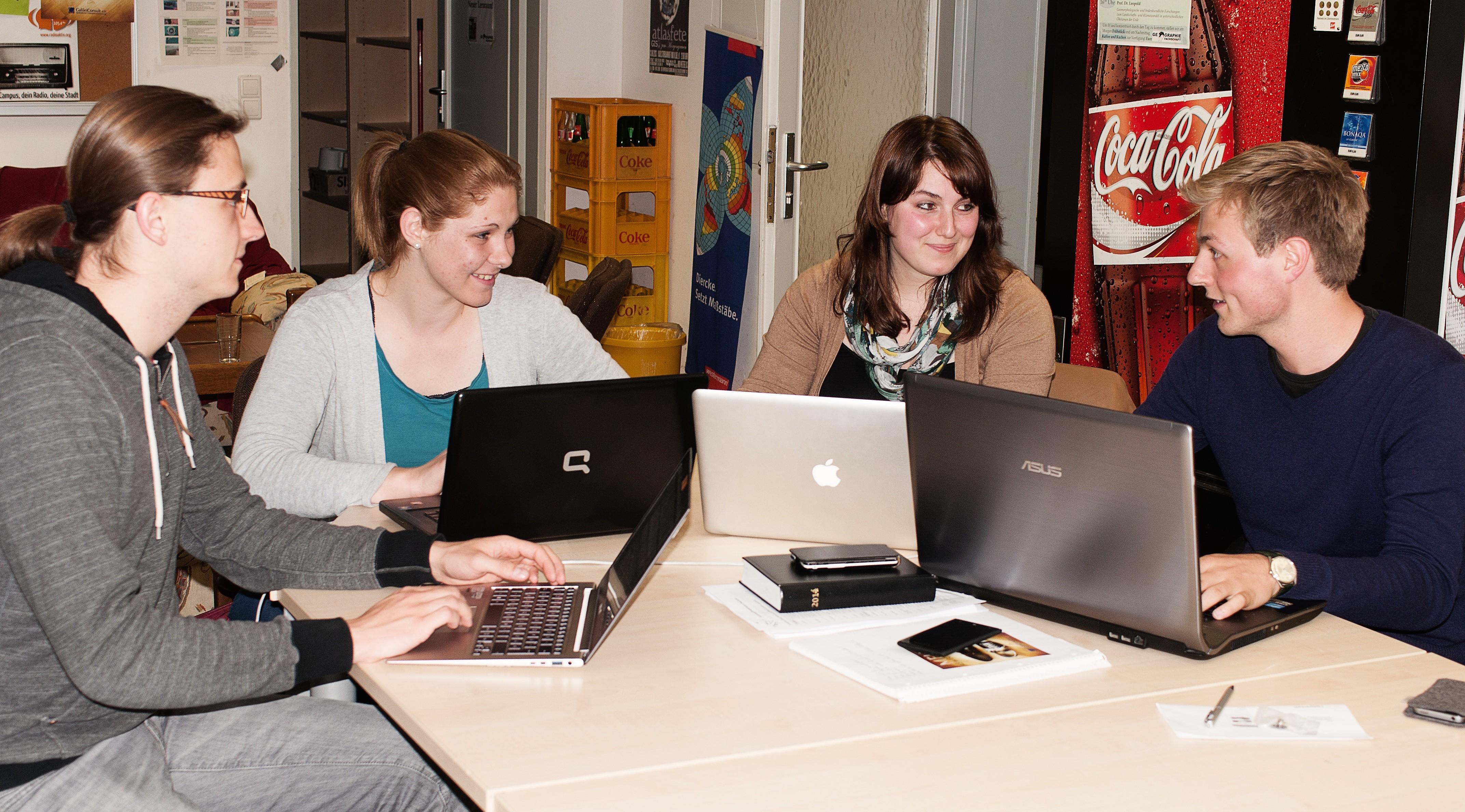 """Die studentische Gruppe """"Galileo Consult"""" berät Unternehmen."""