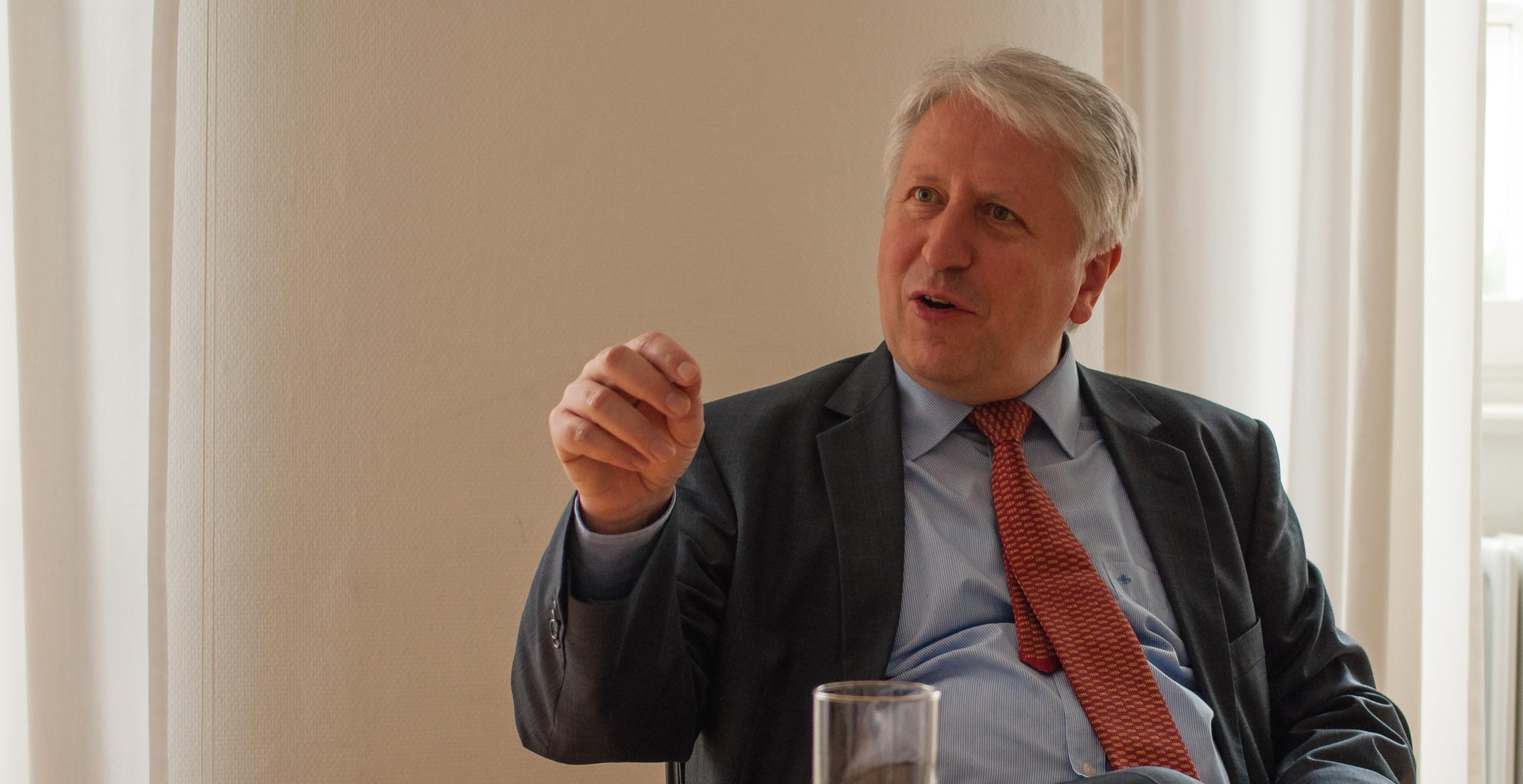 Unirektor Bernhard Eitel im Gespräch mit dem ruprecht im Sommer 2017.