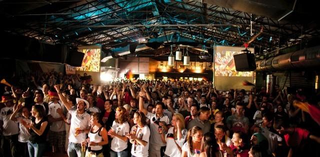 Die Halle 02 nahe dem Hauptbahnhof bietet Public Viewing für etwa 1000 Personen (Bild: halle 02).