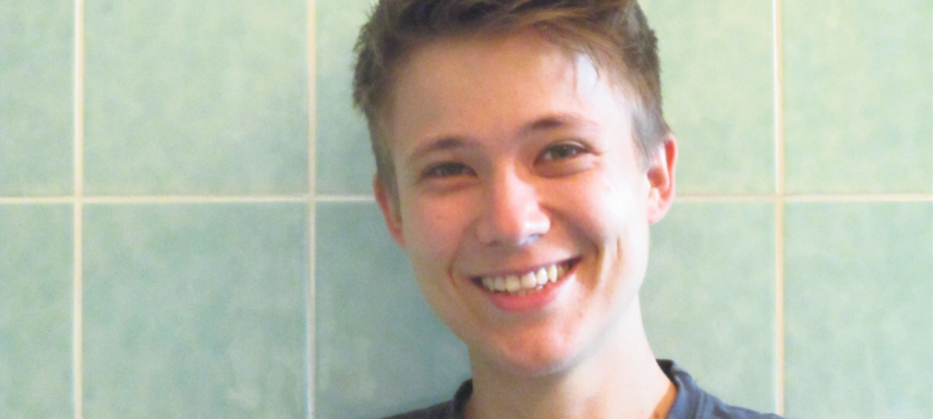 """Finn Lorenz vom""""In&Out""""-Beratungsprojekt für junge LGBT*-Menschen des Vereins """"Lambda"""". Foto: privat"""