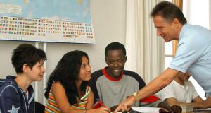 Uni schafft Studienangebot für Flüchtlinge