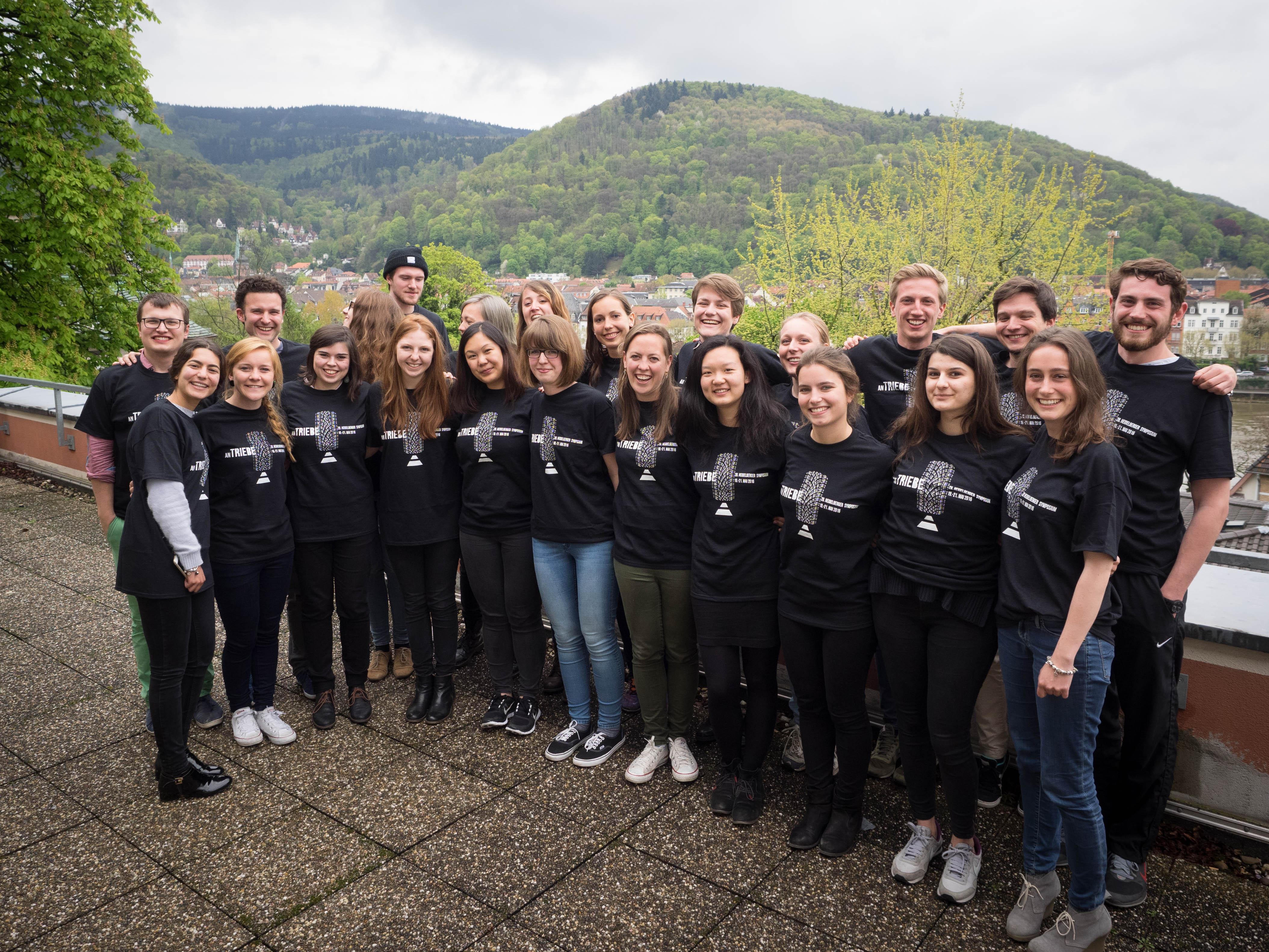 Wahre Vielfalt: Studenten aller Fachrichtungen bilden das Organisationsteam des Symposiums. Bild: Lucie Landeck.