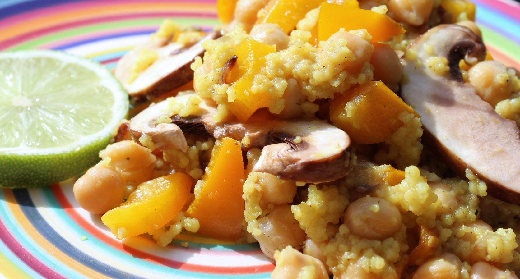 Der Kicherbsen-Couscous-Salat schmeckt warm und kalt. Bilder auf dieser Seite: Hannah Lena Puschnig