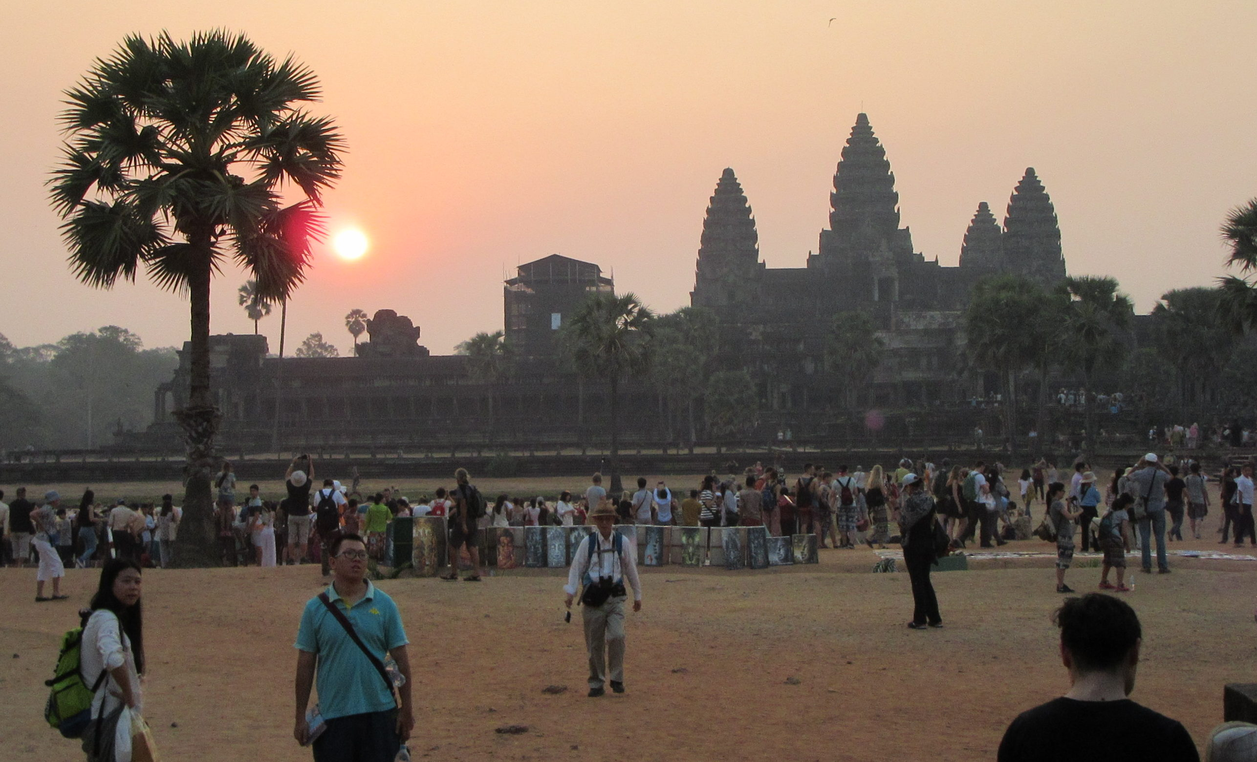 Der Sonnenaufgang am Khmertempel von Angkor Wat in Kambodscha. Bild: Laura Heyer