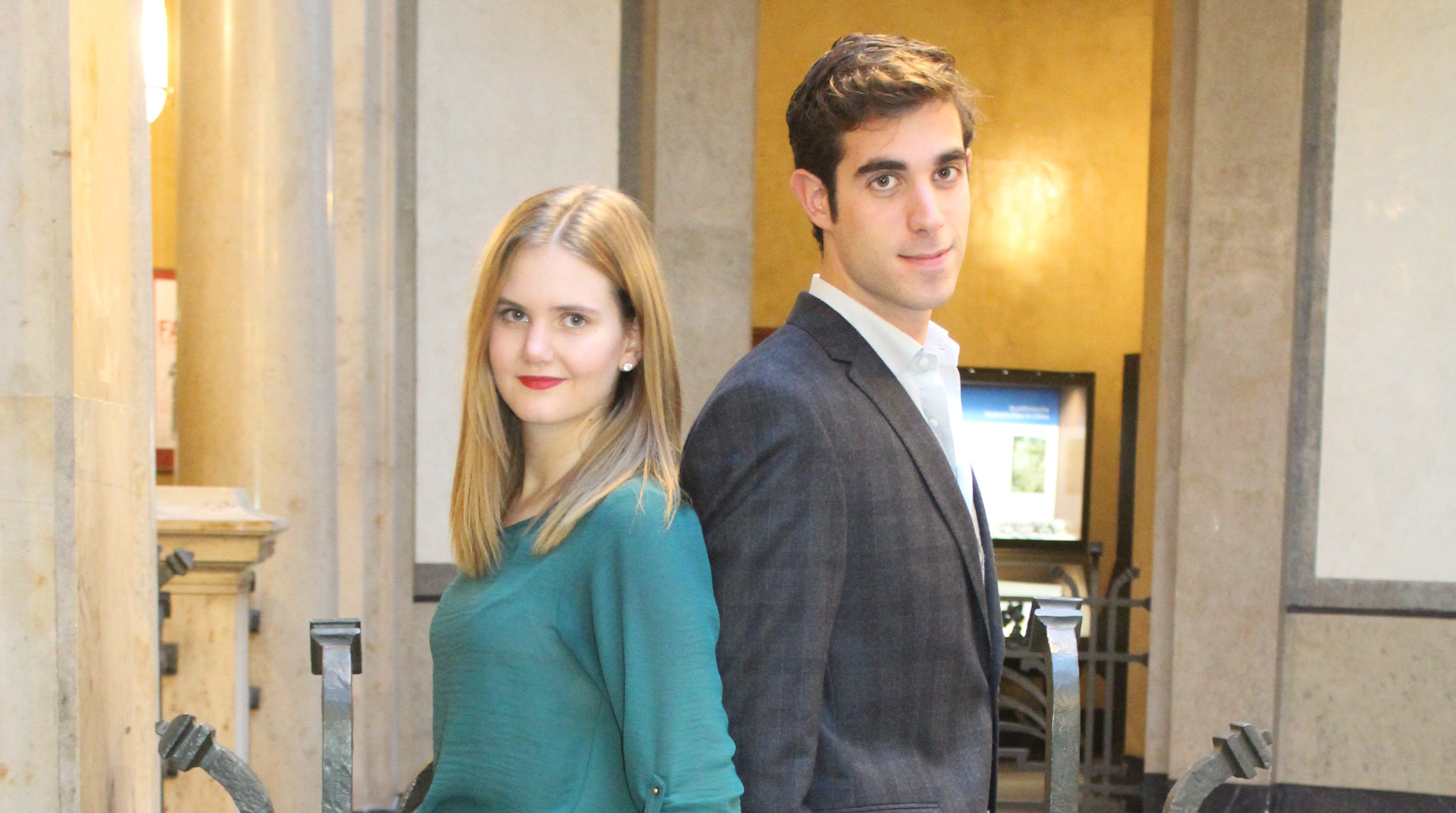 Erhobenen Hauptes blicken Louisa und Pietro auf das vergangene Jahr zurück  Bild von Hannah Lena Puschnig