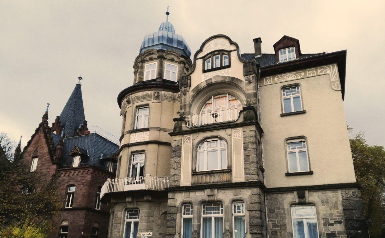 Eine für die Weststadt typische Gründerzeitvilla. Bild:  Lea Dortschy