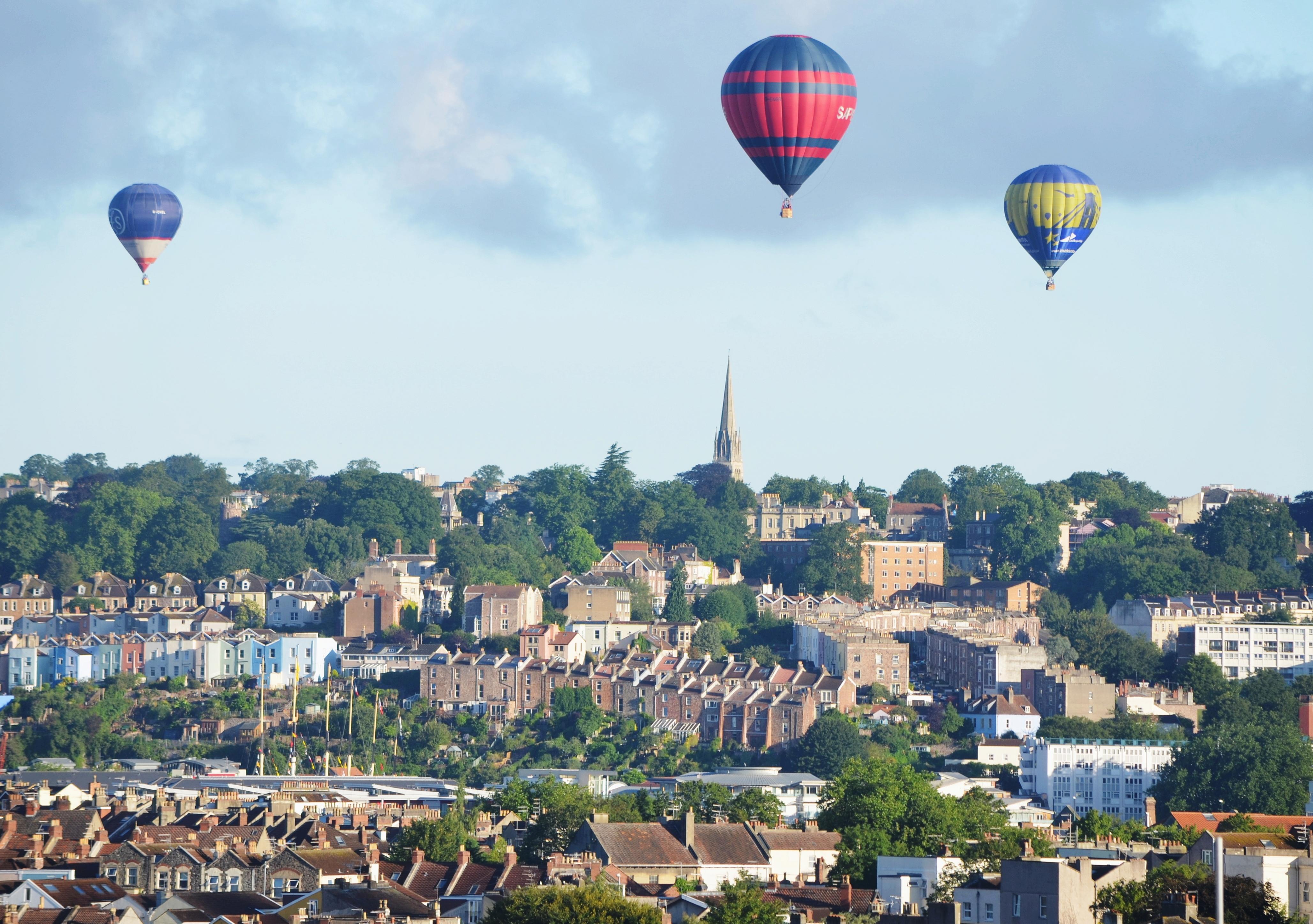 Auch für Fahrten mit dem Heißluftballon gibt es eine eigene Hochschulgruppe. Foto: flickr.com /nicksarebi (https://www.flickr.com/photos/34517490@N00/9486962934/) (CC BY 2.0)  (https://creativecommons.org/licenses/by/2.0/)
