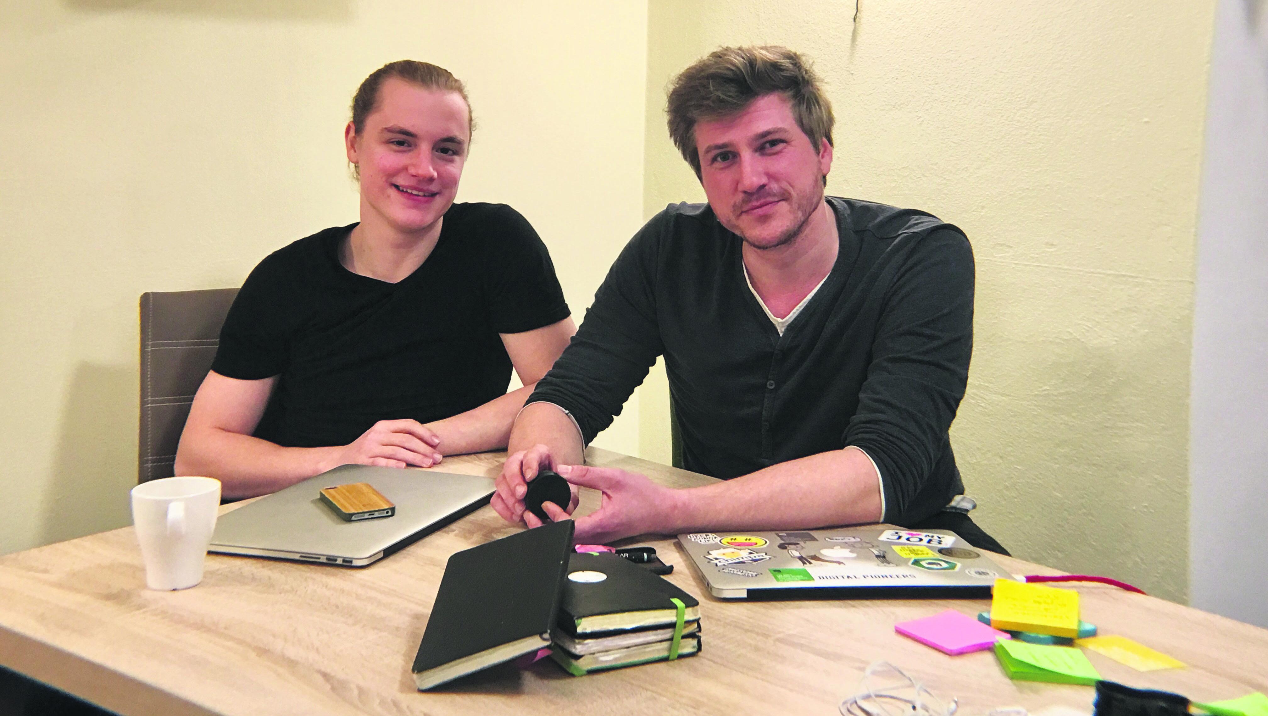 Adrian Schnug (l.) und Enrico Nahler (r.) geben Tipps zur Studienorganisation Bild: Enrico Nahler