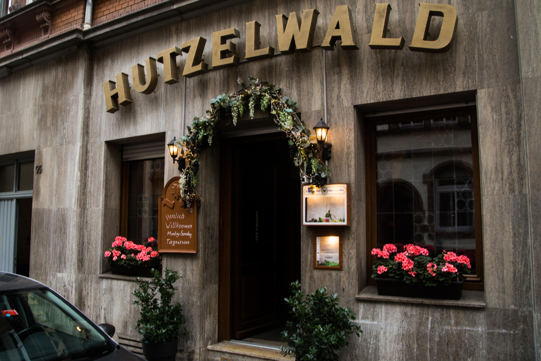 """Der """"Hutzelwald"""" verspricht nicht nur Schnitzel, sondern auch eine Zeitreise. Bild Philipp Hiller"""