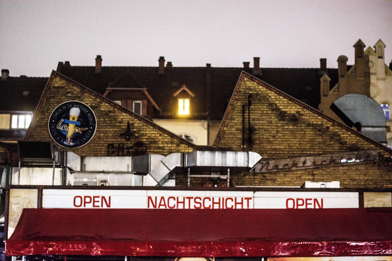 Gar nicht mehr so lange open: Die Musikfabrik Nachtschicht in Bergheim schließt zum Jahresende. Bild: Philipp Hiller