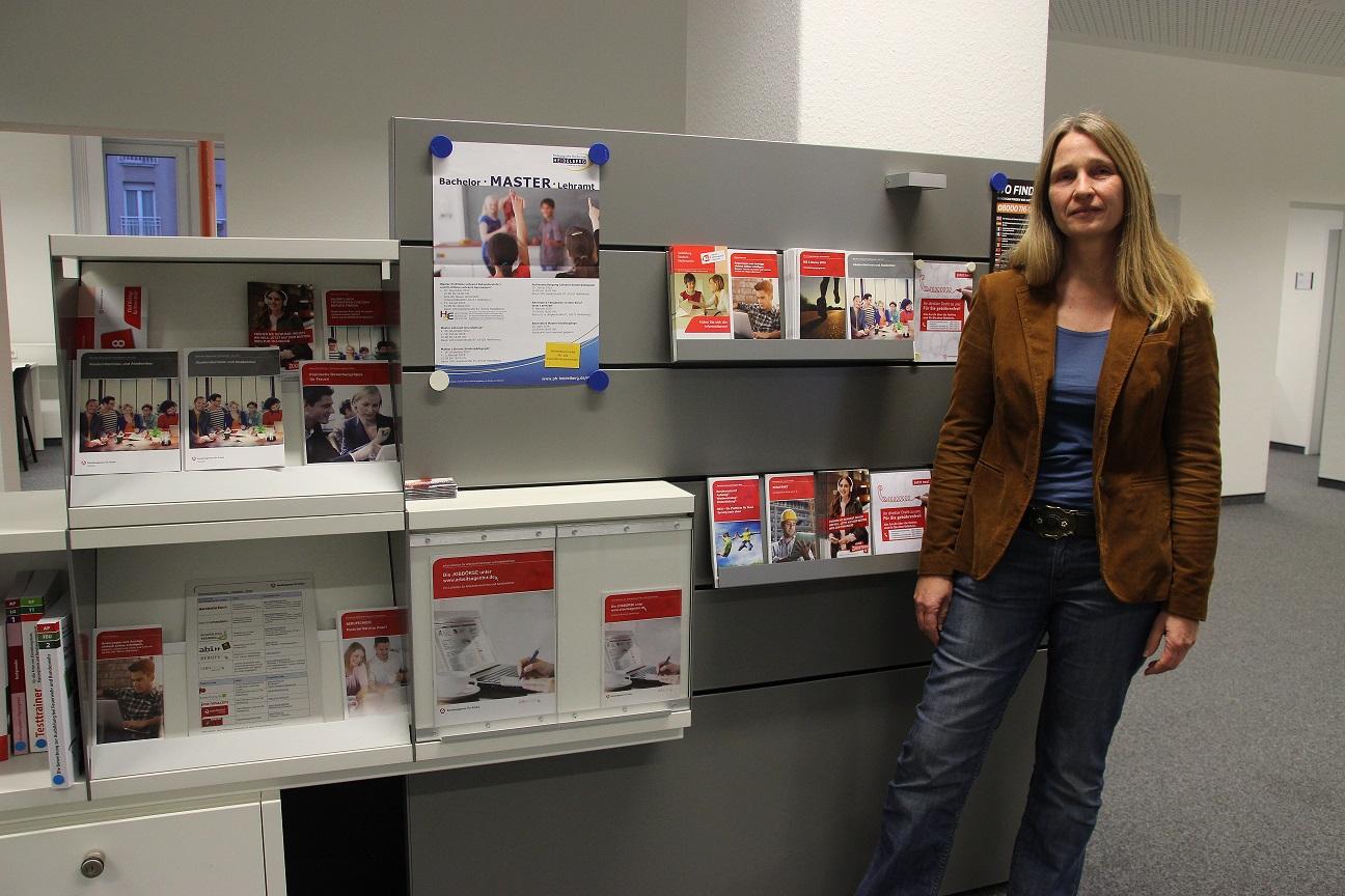 Petra Kuhn berät beim Berufseinstieg. Bild: Sara Wagener
