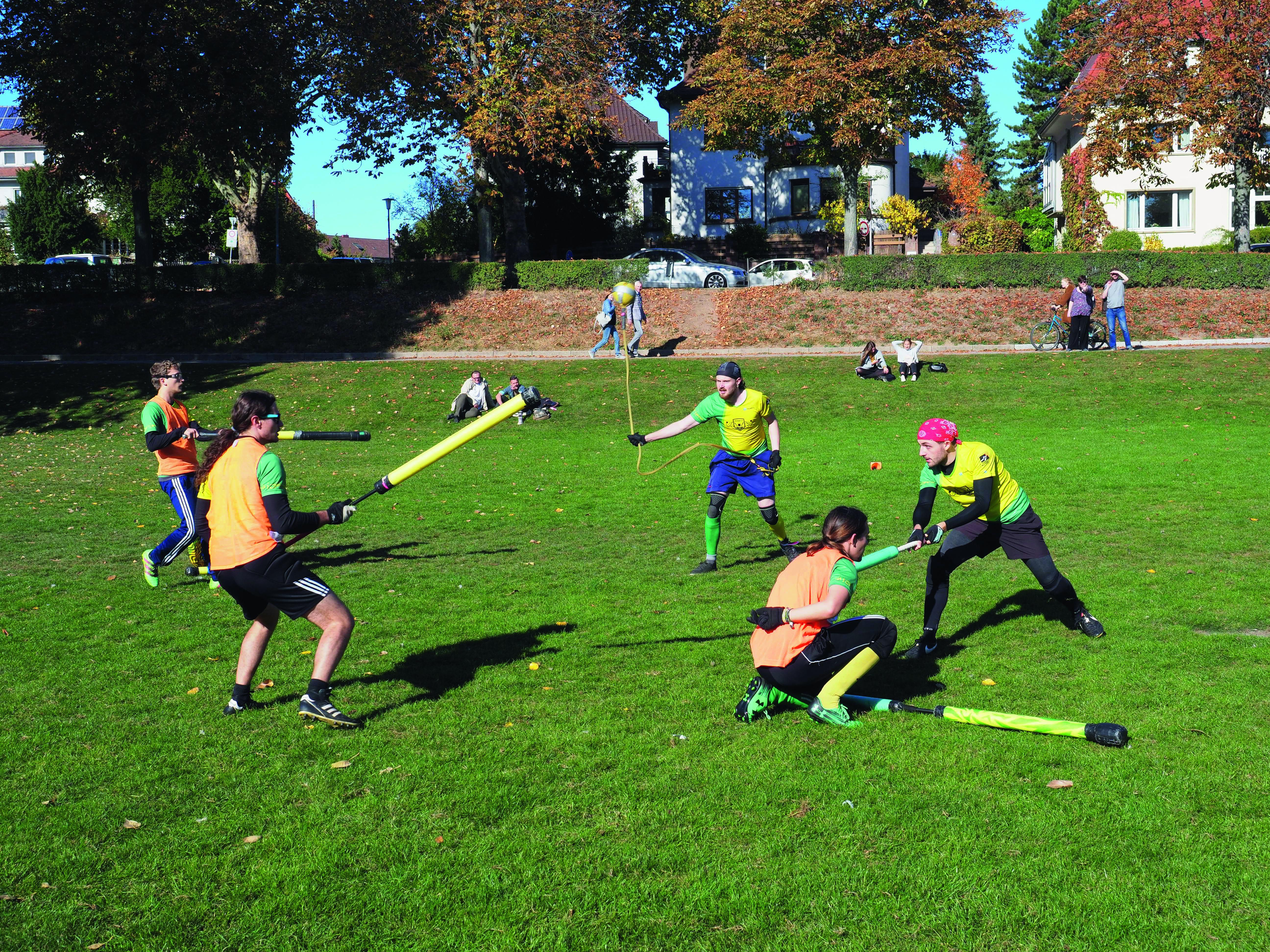 Beim Juggern gelangt man nur mit einer Kombination aus Taktik, körperlicher Fitness und Geschicklichkeit zum Sieg. Foto: Patrick Müller