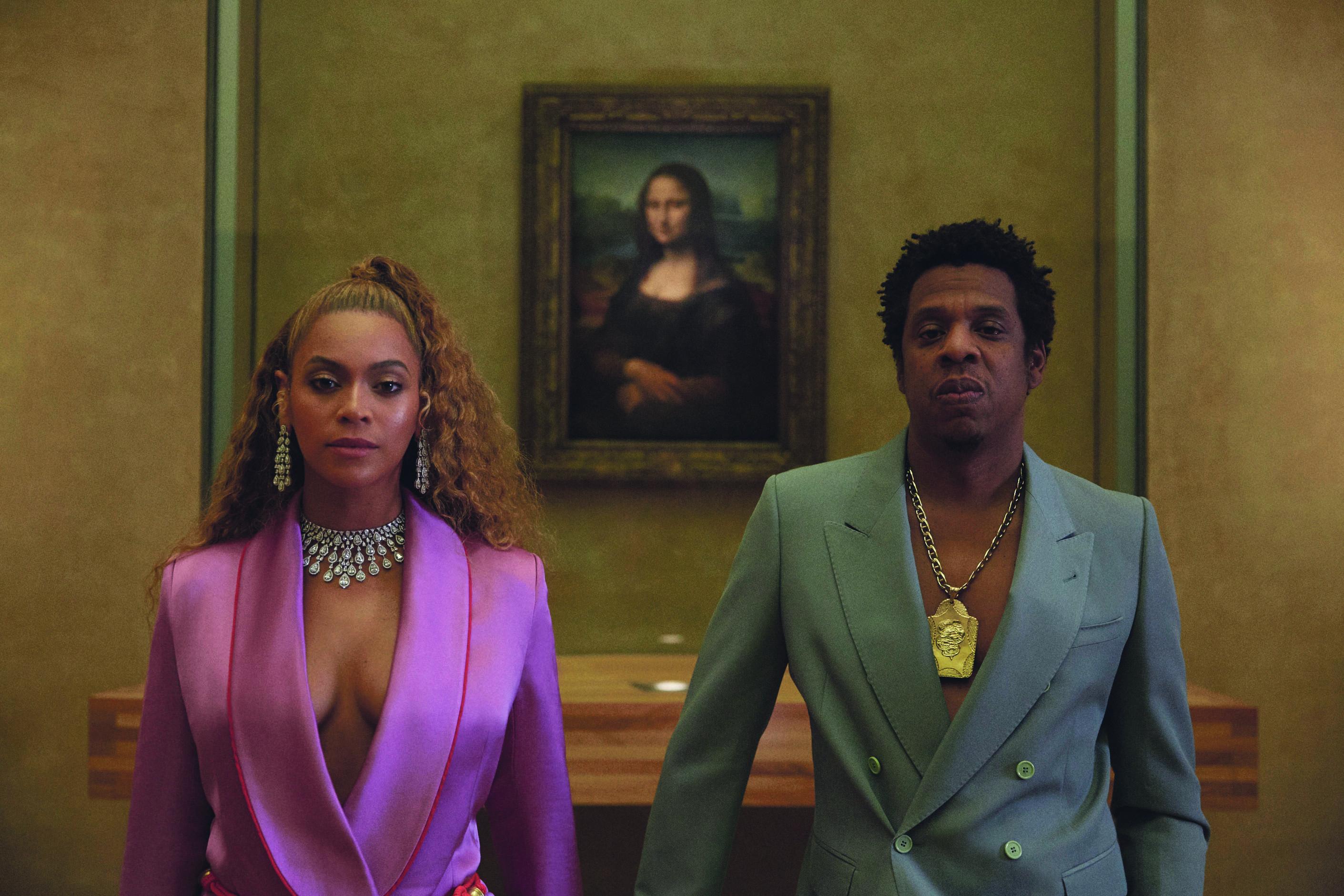 Aus alt mach neu: The Carters (Beyoncé und Jay Z) vor der Mona Lisa. Foto: Sony Music/Robin Harper