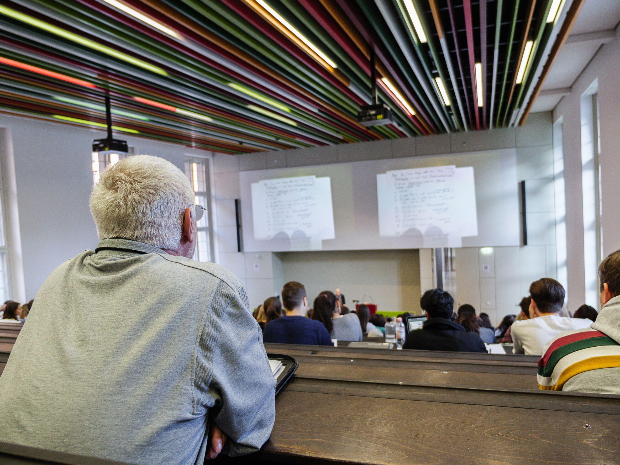 Die Zulassung zu Vorlesungen ist oft eine Frage der Kapazität. Foto: Adrian Roether