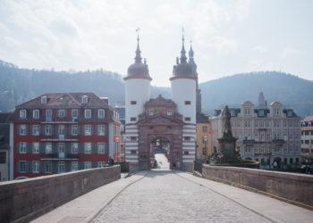 Die menschenleere Alte Brücke. Foto: Nicolaus Niebylski
