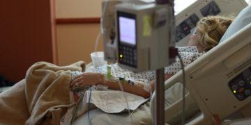 Eine Patientin auf der Intensivstation. Bild: Pxfuel