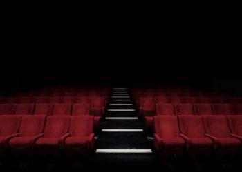 Schon vor der Corona-Krise waren die Kinos vom aussterben bedroht. Der Einfluss von Streamingportalen wird immer stärker. Foto: felixmooneeram/ unsplash