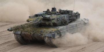 Panzer wie der Leopard 2 werden in Krisengebieten eingesetzt, während sie die Deutsche Bank finanziert.  Quelle: obs/Presse- und Informationszentrum des Heeres/Ralph Zwilling