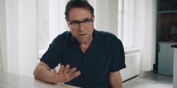Jan Josef Liefers sprach in seinem #allesdichtmachen-Video davon, dass Medien nicht kritisch über die Corona-Maßnahmen berichten. Foto: allesdichtmachen (YouTube)