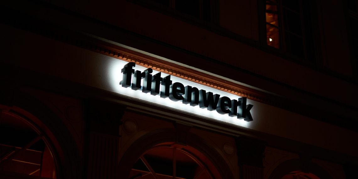 Das Frittenwerk versucht sich daran, Fritten mit anderen Trends zu kombinieren - und hat dabei kaum neue Ideen. Foto: Till Gonser